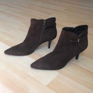 Dark brown Bandolino suede leather boots